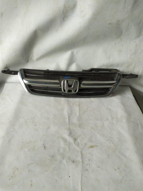 Решетка радиатора Honda Cr-V RD5 (б/у)