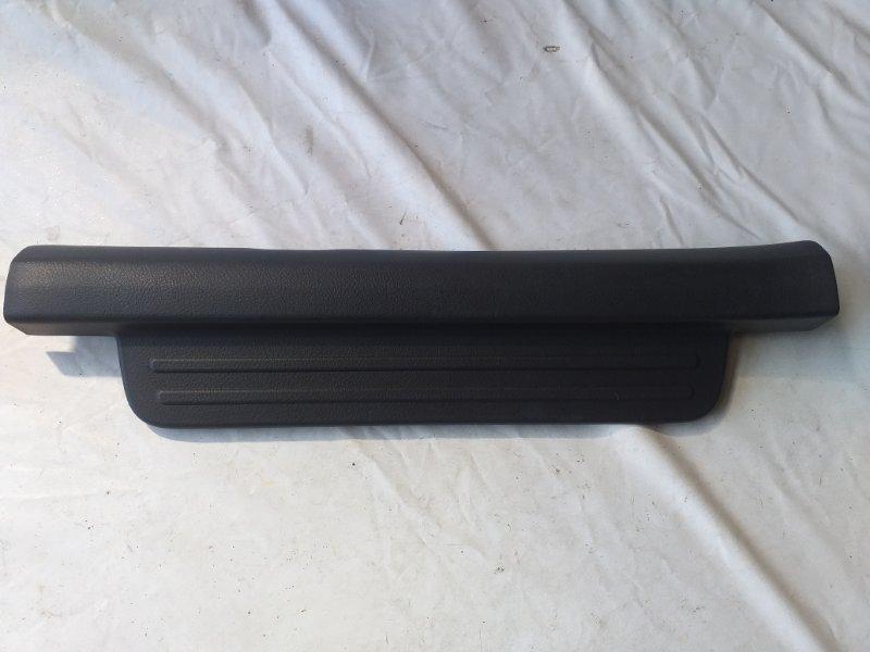 Накладка на порог салона Toyota Bb QNC25 передняя левая (б/у)
