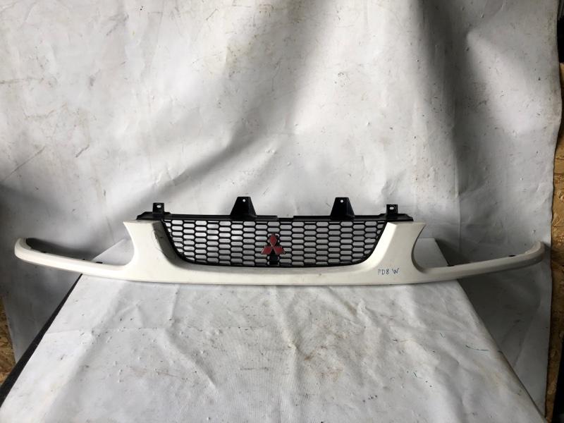Решетка радиатора Mitsubishi Delica PD8W 1999 (б/у)