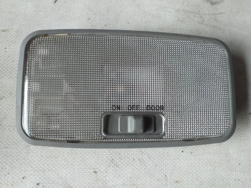 Светильник салона Toyota Grn215 TRN215 задний (б/у)
