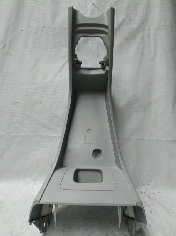 Консоль между сидений Toyota Prius ZVW30 2ZR-FXE 2012.07 (б/у)