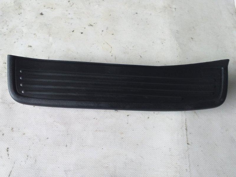 Накладка на порог салона Honda Accord CL8 задняя левая (б/у)