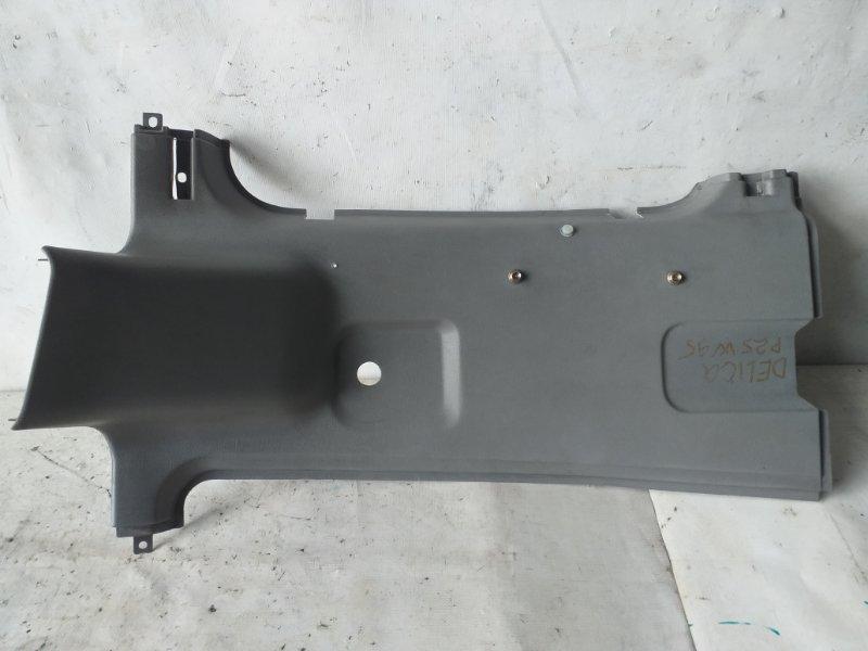 Накладка на стойку кузова Mitsubishi Delica P25W задняя правая (б/у)