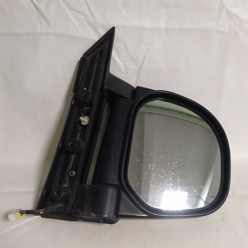 Зеркало Mitsubishi Delica PE8W 4M40 1999.03 переднее правое (б/у)