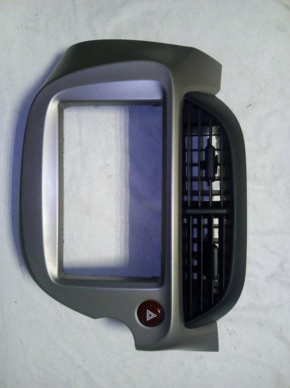 Консоль магнитофона Honda Fit GP1 (б/у)
