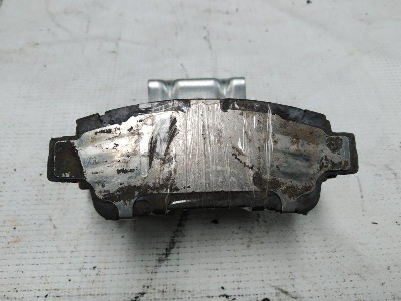 Тормозные колодки Toyota Ipsum ACM26 2AZ-FE заднее (б/у)