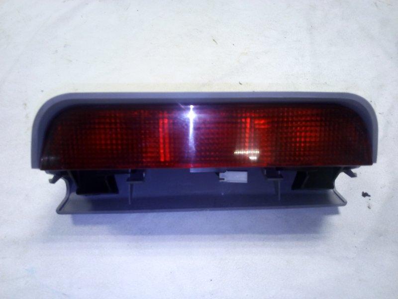 Стоп-сигнал в салоне Mitsubishi Pajero V78W задний (б/у)