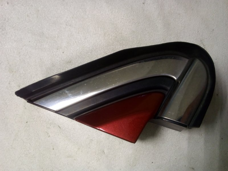 Уголок крыла Honda Cr-V RE4 передний правый (б/у)