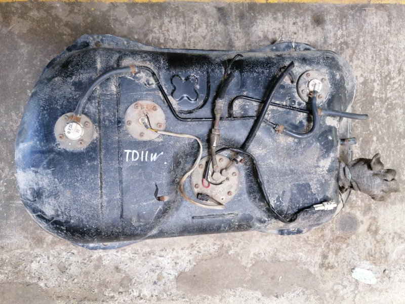 Топливный бак Suzuki Escudo TD11W (б/у)