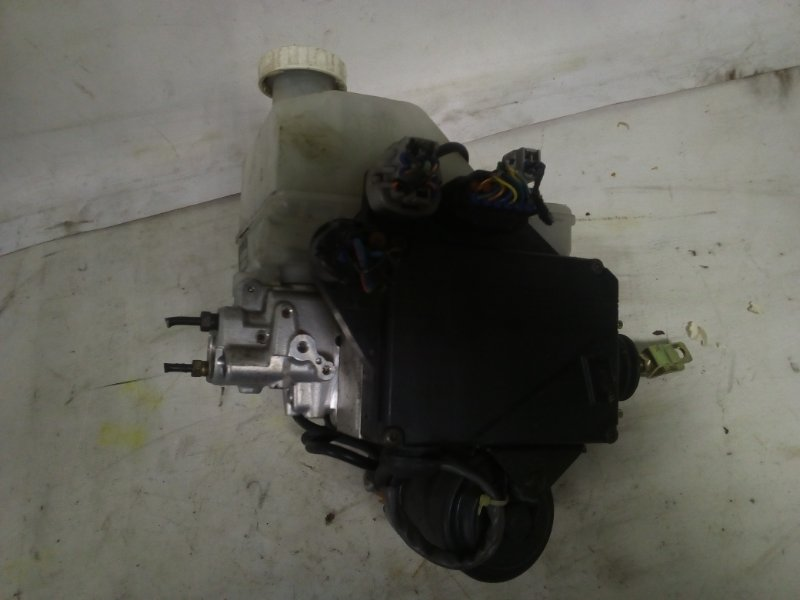 Главный тормозной цилиндр Mitsubishi Pajero V75W (б/у)