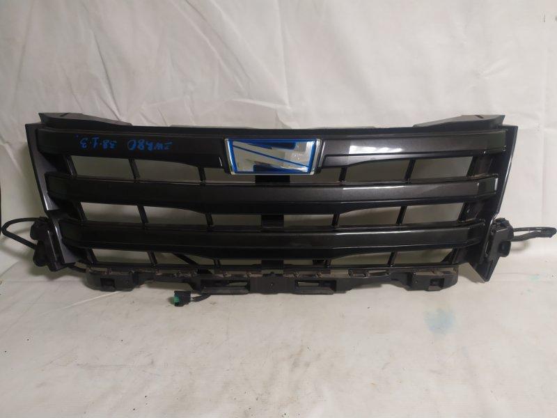 Решетка радиатора Toyota Voxy ZWR80 (б/у)