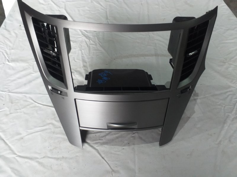 Консоль магнитофона Subaru Legacy BR9 (б/у)