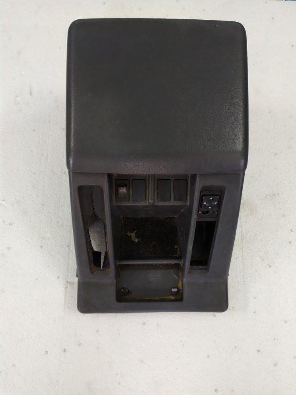 Бардачок между сиденьями Nissan Safari WRGY60 TD42 1992.03 (б/у)