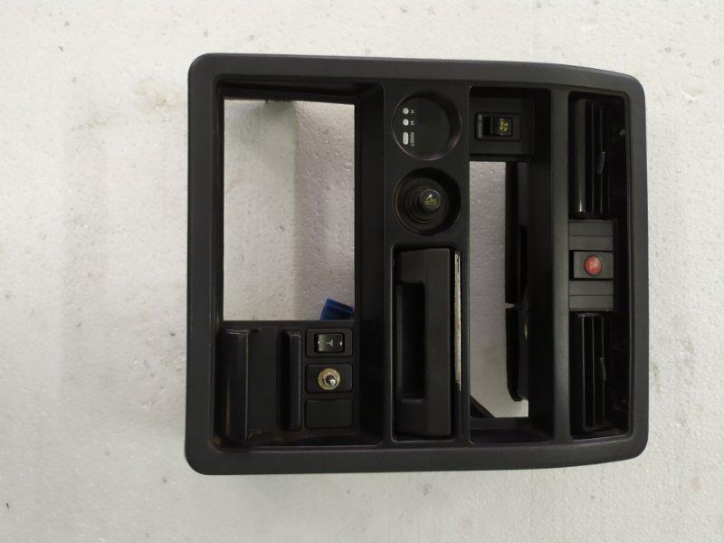 Консоль магнитофона Nissan Safari WRGY60 TD42 1992.03 (б/у)