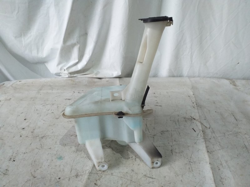 Бачок омывателя Toyota Belta NCP96 2NZ-FE 2007.02 (б/у)