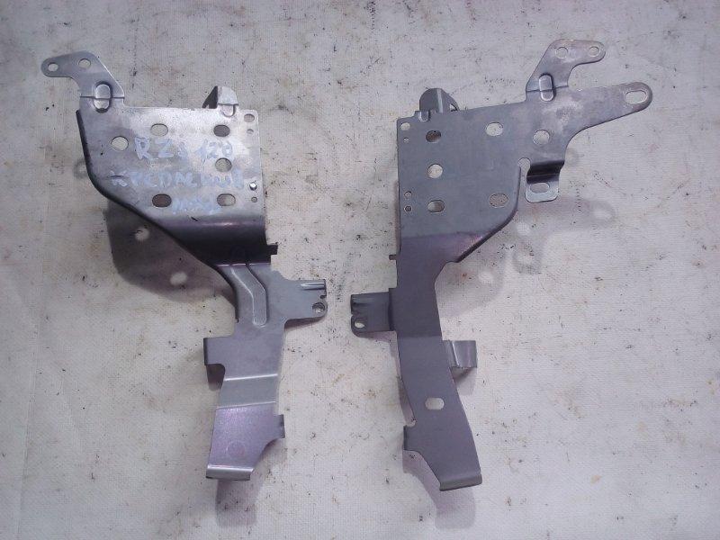 Крепление магнитофона Toyota Land Cruiser Prado RZJ120 3RZ-FE 2002.10 (б/у)
