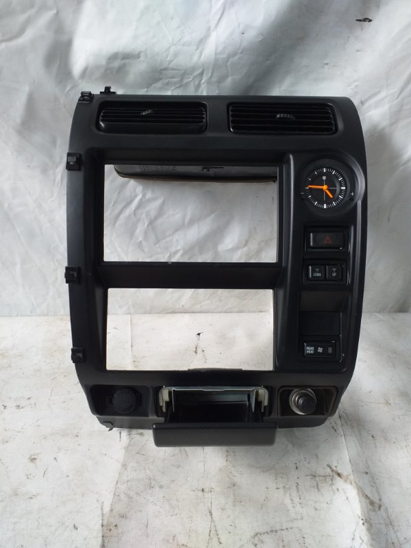Консоль магнитофона Toyota Land Cruiser Prado RZJ95 3RZ-FE 1999.05 (б/у)
