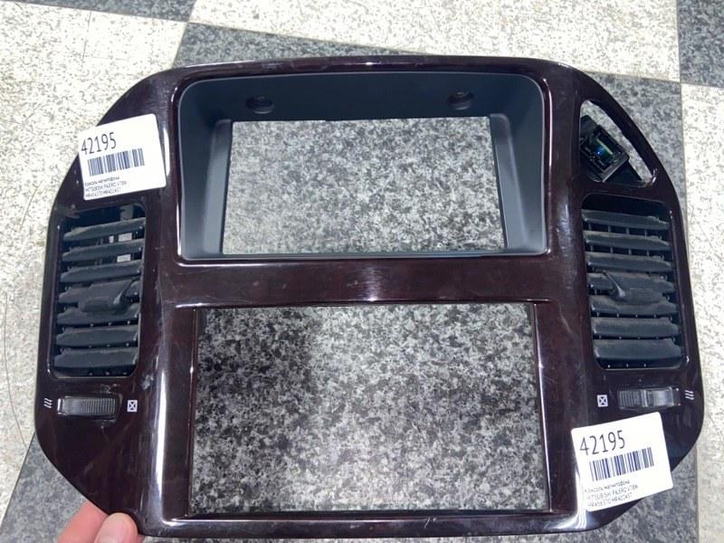 Консоль магнитофона Mitsubishi Pajero V78W (б/у)