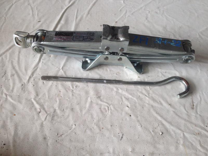 Домкрат Honda Cr-Z ZF1 (б/у)