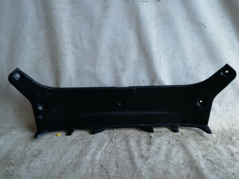 Накладка замка багажника Toyota Camry AVV50 2AR-FXE 2012.03 (б/у)