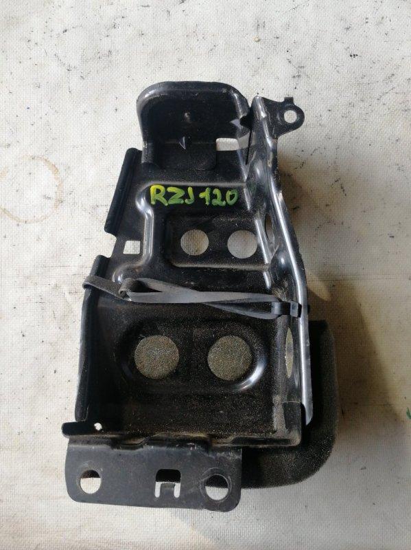 Крепление для домкрата Toyota Land Cruiser Prado RZJ120 3RZ-FE 2002.10 (б/у)