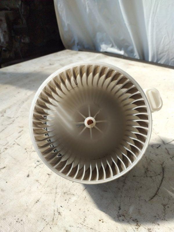 Мотор печки Lexus Hs250H ANF10 2AZ-FXE 2009.11 (б/у)