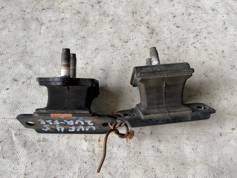 Подушка кпп Lexus Ls600 UVF45 2UR-FSE 2007.06 (б/у)