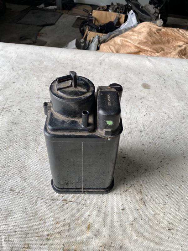 Фильтр паров топлива Toyota Noah ZWR80 2ZR (б/у)