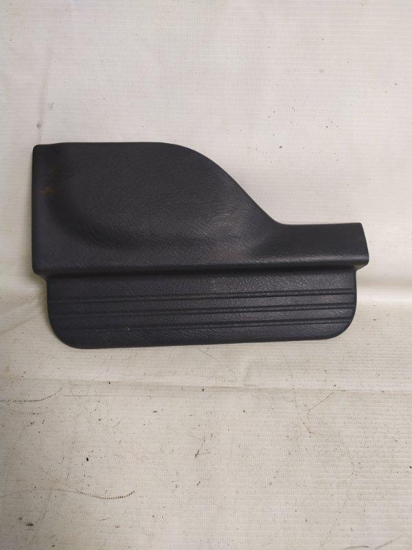 Накладка на порог салона Honda Hr-V GH4 задняя правая (б/у)