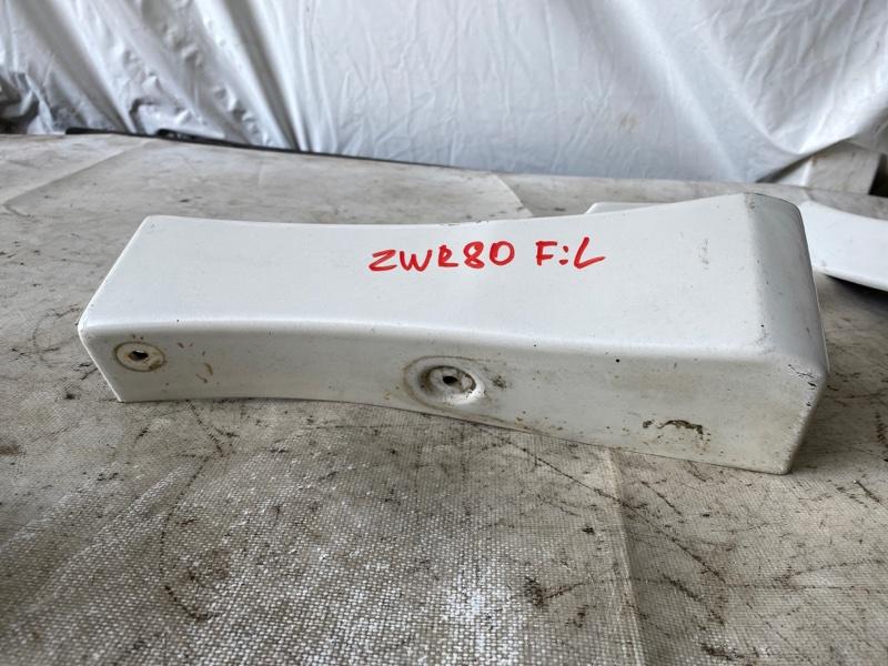 Накладка на крыло Toyota Noah ZWR80 2ZR передняя левая (б/у)