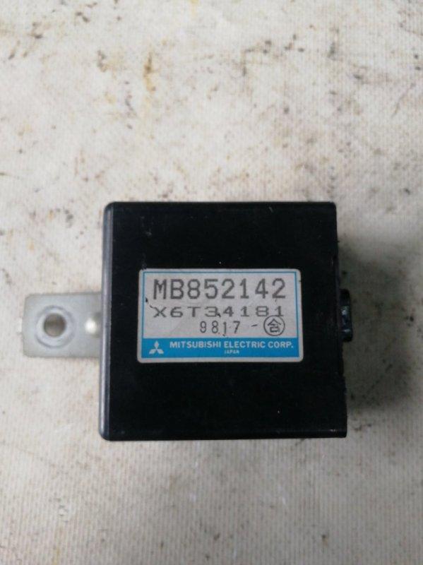 Блок управления зеркалами Mitsubishi Delica PE8W 4M40 (б/у)