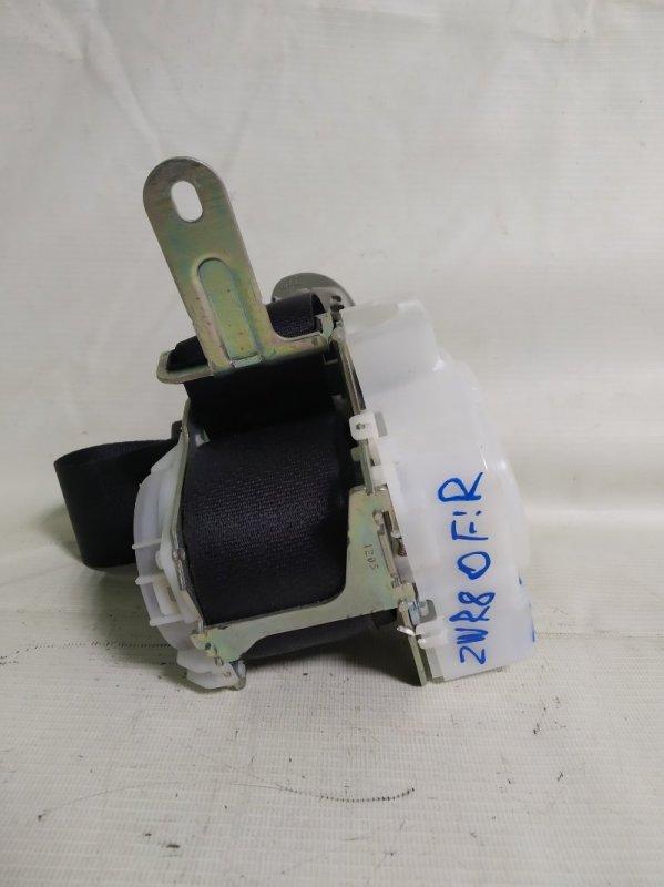 Ремень безопасности Toyota Noah ZWR80 2ZR передний правый (б/у)