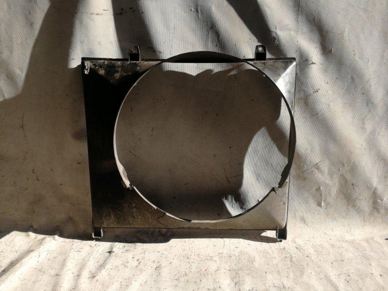 Диффузор радиатора Mitsubishi Delica PE8W 4M40 (б/у)