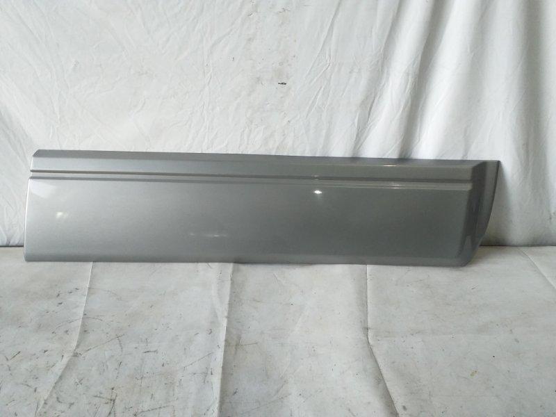 Накладка на дверь Mitsubishi Pajero V75W передняя правая (б/у)