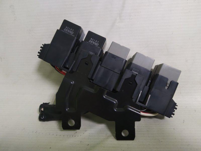 Блок реле Subaru Impreza GP7 FB20 (б/у)