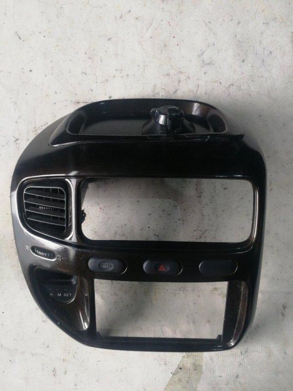 Консоль магнитофона Mitsubishi Delica PE8W 4M40 (б/у)