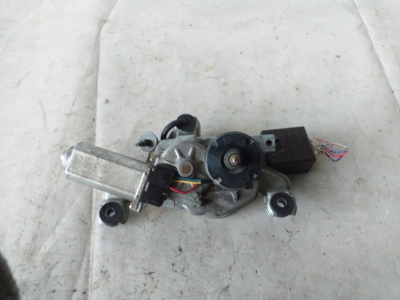 Мотор дворников Toyota Cresta JZX105 задний (б/у)