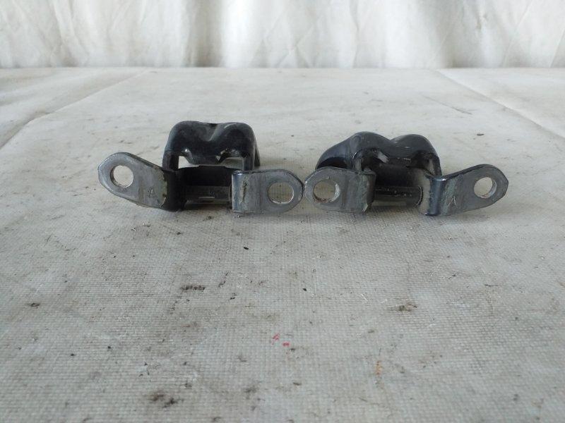 Петли на дверь Nissan Dualis KNJ10 передние левые (б/у)