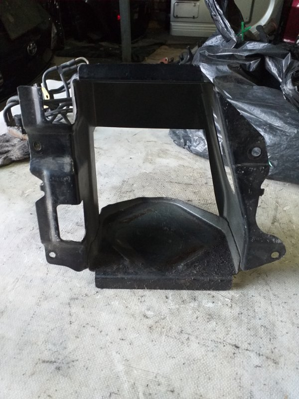 Крепление для домкрата Nissan Safari WRGY60 TD42 1992.03 (б/у)