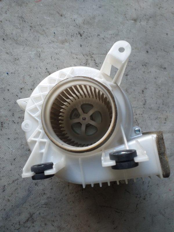 Мотор охлаждения батареи Toyota Prius ZVW30 2ZR-FXE 2012.03 (б/у)