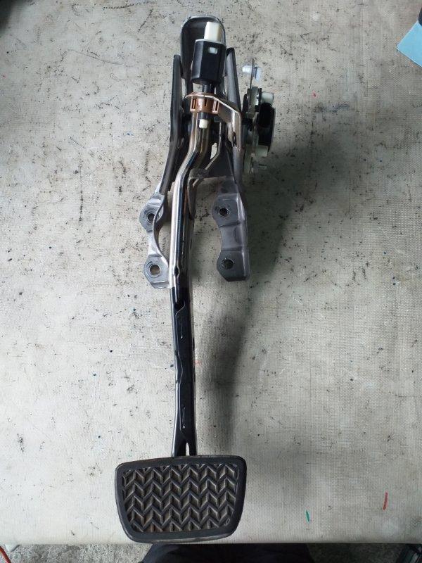 Педаль тормоза Toyota Prius ZVW30 2ZR-FXE 2012.03 (б/у)