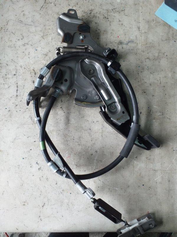 Педаль стояночного тормоза Toyota Prius ZVW30 2ZR-FXE 2012.03 (б/у)