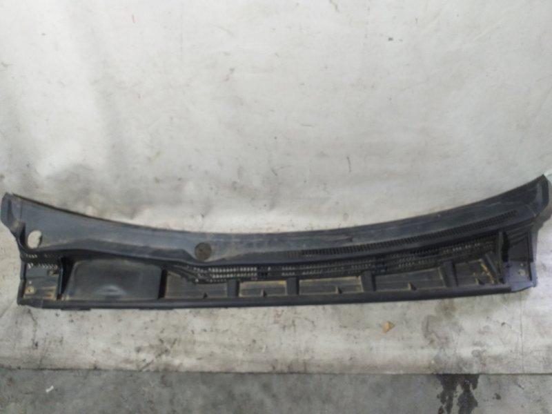 Решетка под лобовое стекло Toyota Prius ZVW30 2ZR-FXE 2012.03 (б/у)