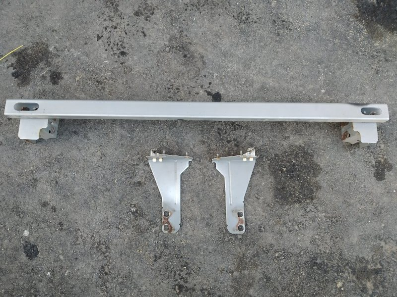 Жесткость бампера Nissan X-Trail NT30 QR20DE передний (б/у)