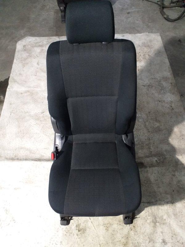 Сидение Toyota Voxy AZR65 1AZ-FSE 2007.02 переднее левое (б/у)