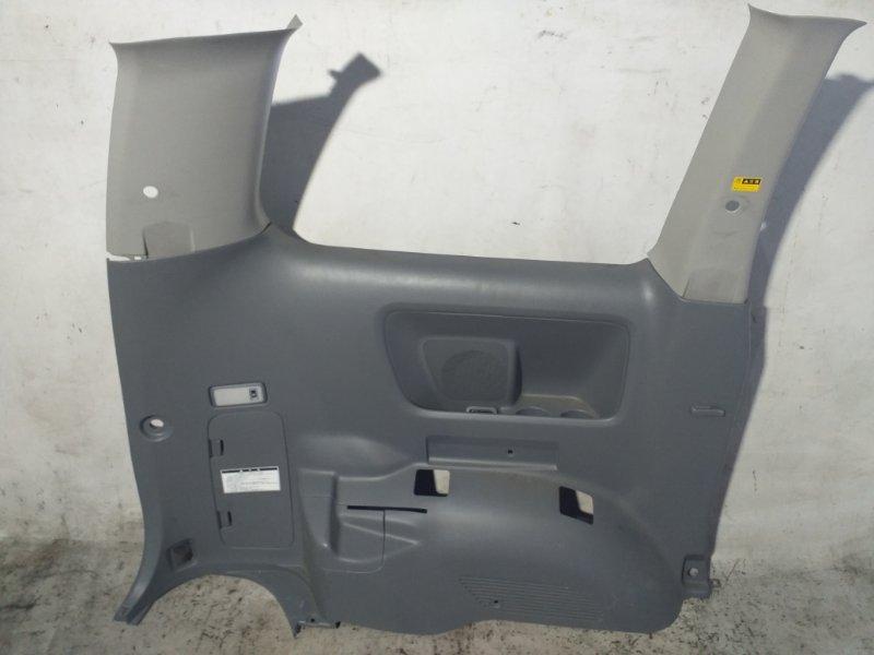 Пластик салона Toyota Voxy AZR65 1AZ-FSE 2007.02 задний левый (б/у)