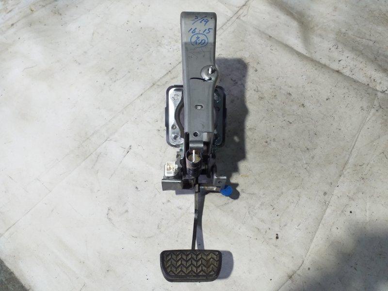 Педаль тормоза Toyota Voxy AZR65 1AZ-FSE 2007.02 (б/у)