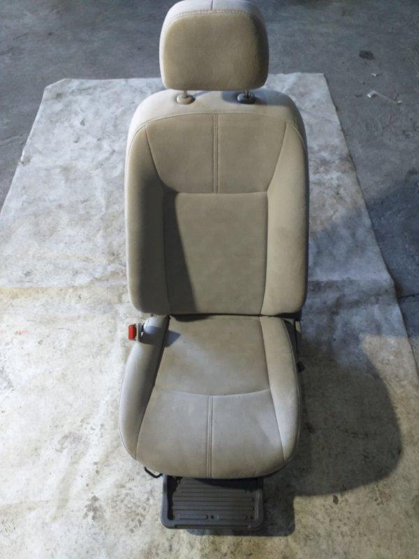 Сиденье Nissan Sylphy TB17 MRA8DE 2013 переднее левое (б/у)