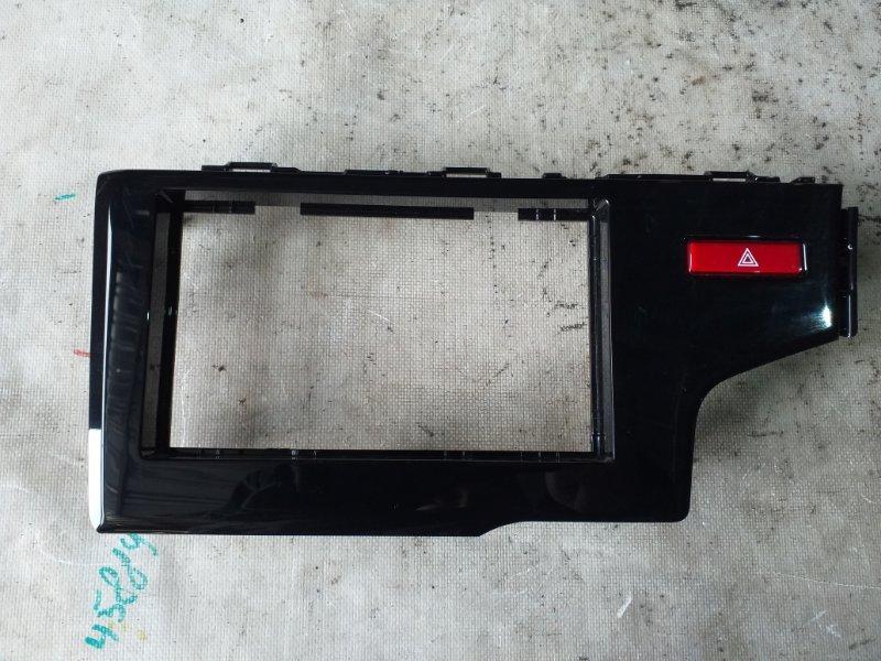 Консоль магнитофона Honda Fit GP6 LEB 2014 (б/у)