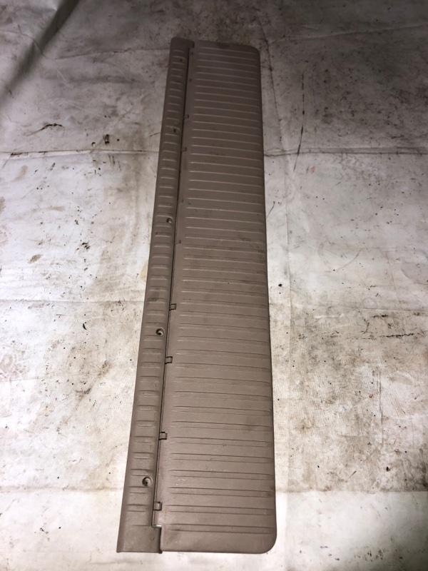 Планка багажника Toyota Land Cruiser HDJ101 1HDFTE 2001.04 задняя (б/у)